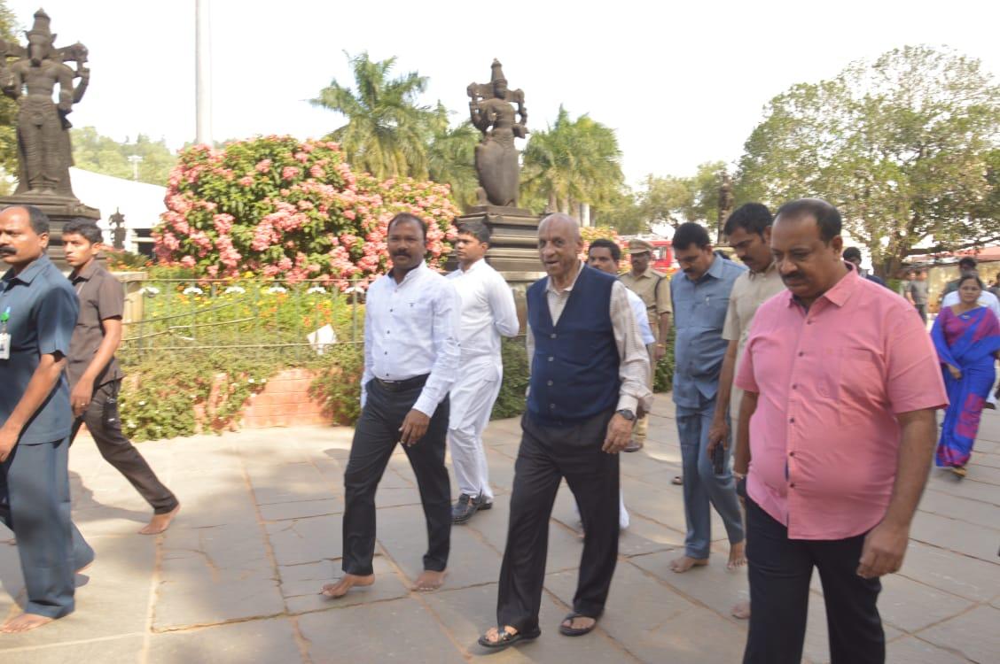 governor vaikunta ekadasi